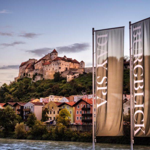 DAY SPA Burgblick - Blick zur Burg
