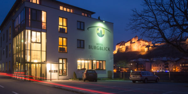 Frontansicht Hotel Burgblick