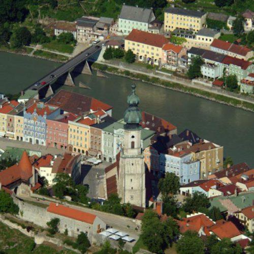 Stadtplatz Burghausen von der Burg gesehen 3