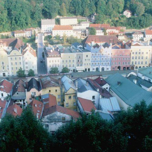 Stadtplatz Burghausen von der Burg gesehen